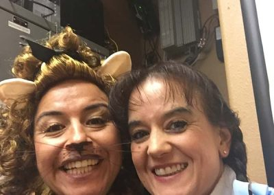 Another selfie with the Cowardly Lion!